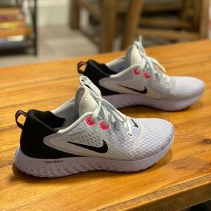 Nike React Legend White/Black/Hot Pink